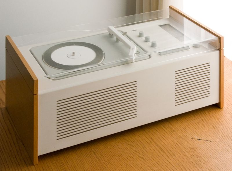 Dieter rams snow white record player